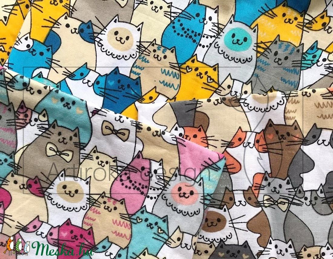 Színes cica mintás bélelt papírzsebkendő tartó - Artiroka design - táska & tok - pénztárca & más tok - zsebkendőtartó tok - Meska.hu