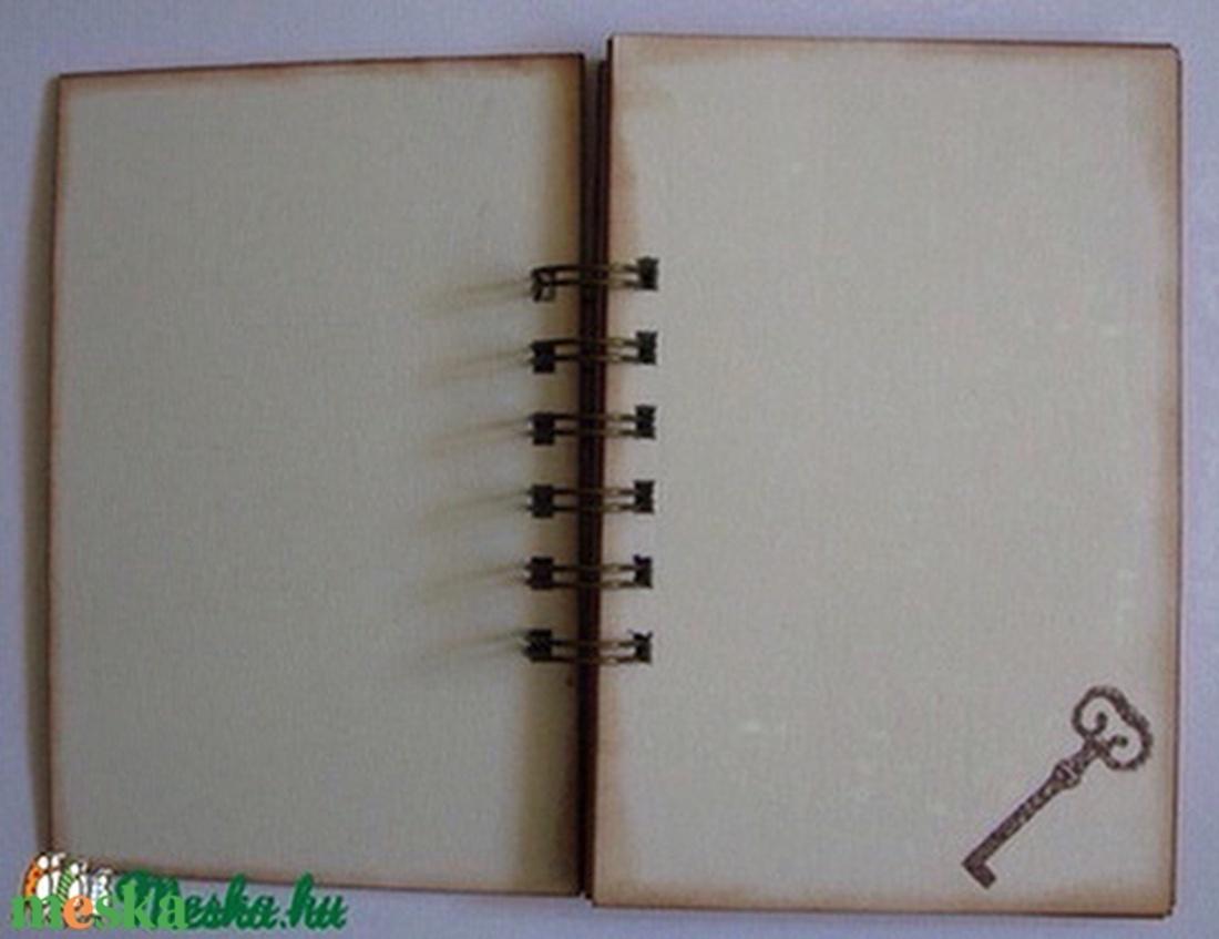 Pillanatok fotói - album (napló) - kulcsok - házassági évforduló - emlékírás - tervezés - házépítés - tervek -jegyzetek  - otthon & lakás - papír írószer - album & fotóalbum - Meska.hu