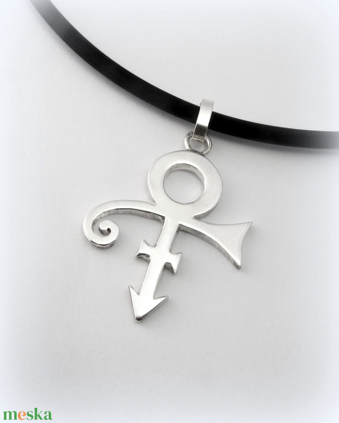 Ezüst Prince logó medál (minicsiga) - Meska.hu