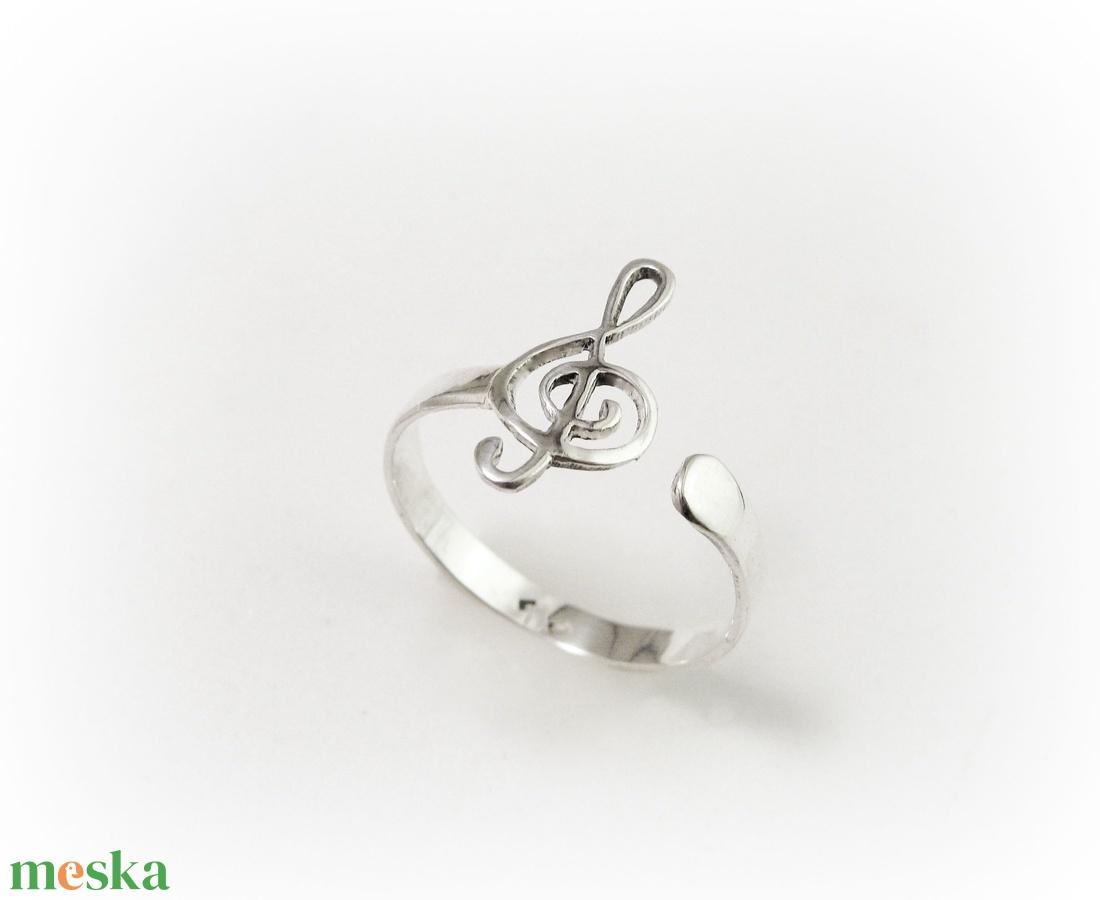 Ezüst violinkulcs gyűrű állítható méretű (minicsiga) - Meska.hu