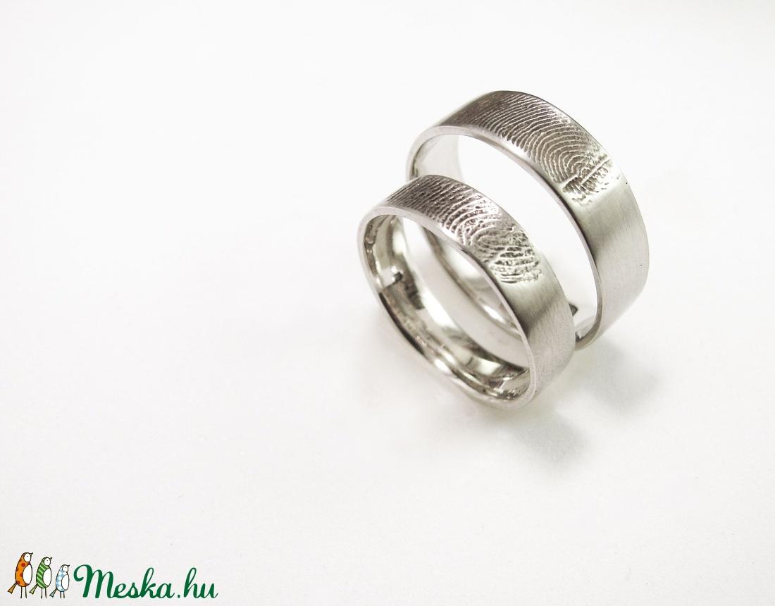 Ezüst ujjlenyomatos karikagyűrű pár (minicsiga) - Meska.hu