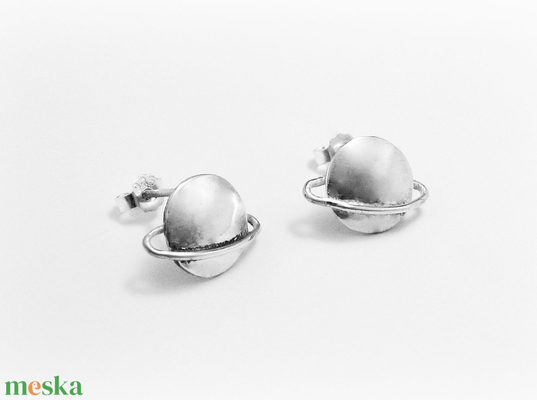 Ezüst Saturnus fülbevaló (minicsiga) - Meska.hu