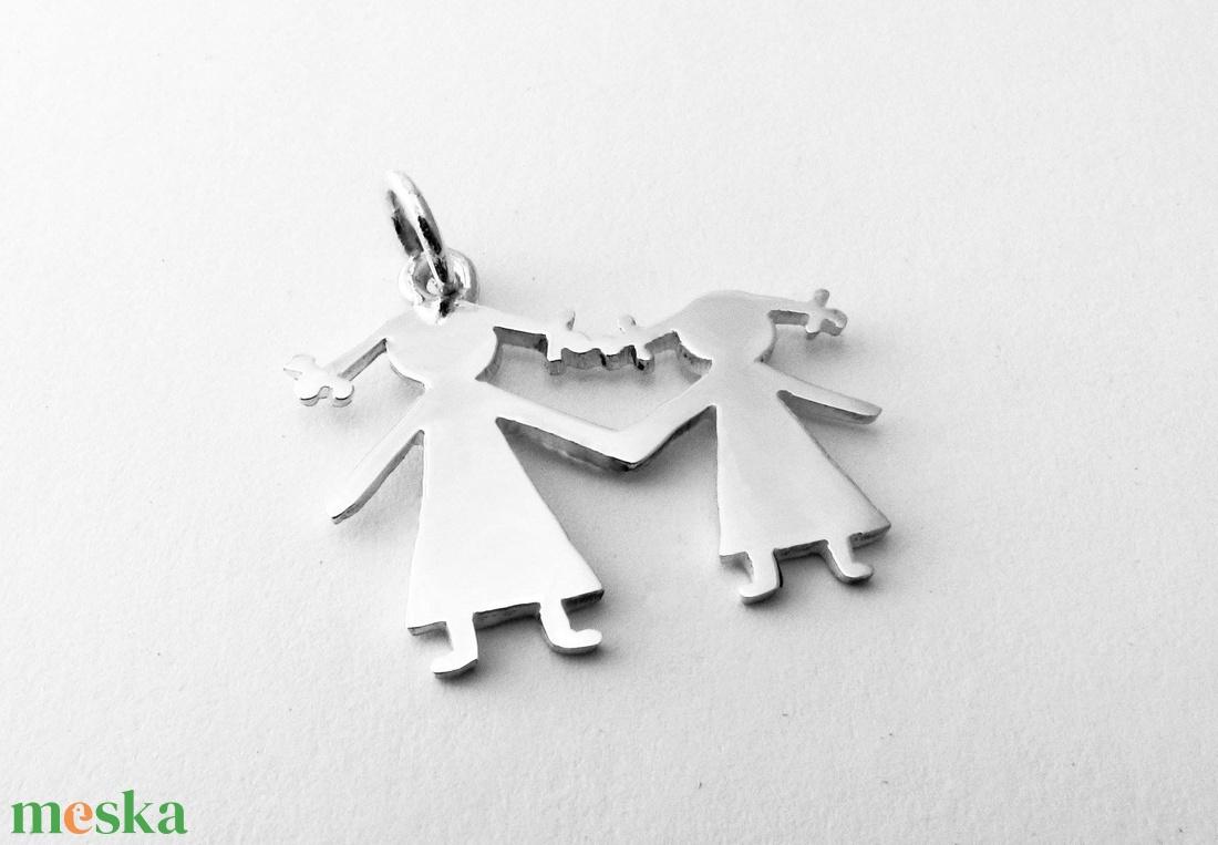 Ezüst kislány - anyuka medál /nővér-hug medál (minicsiga) - Meska.hu