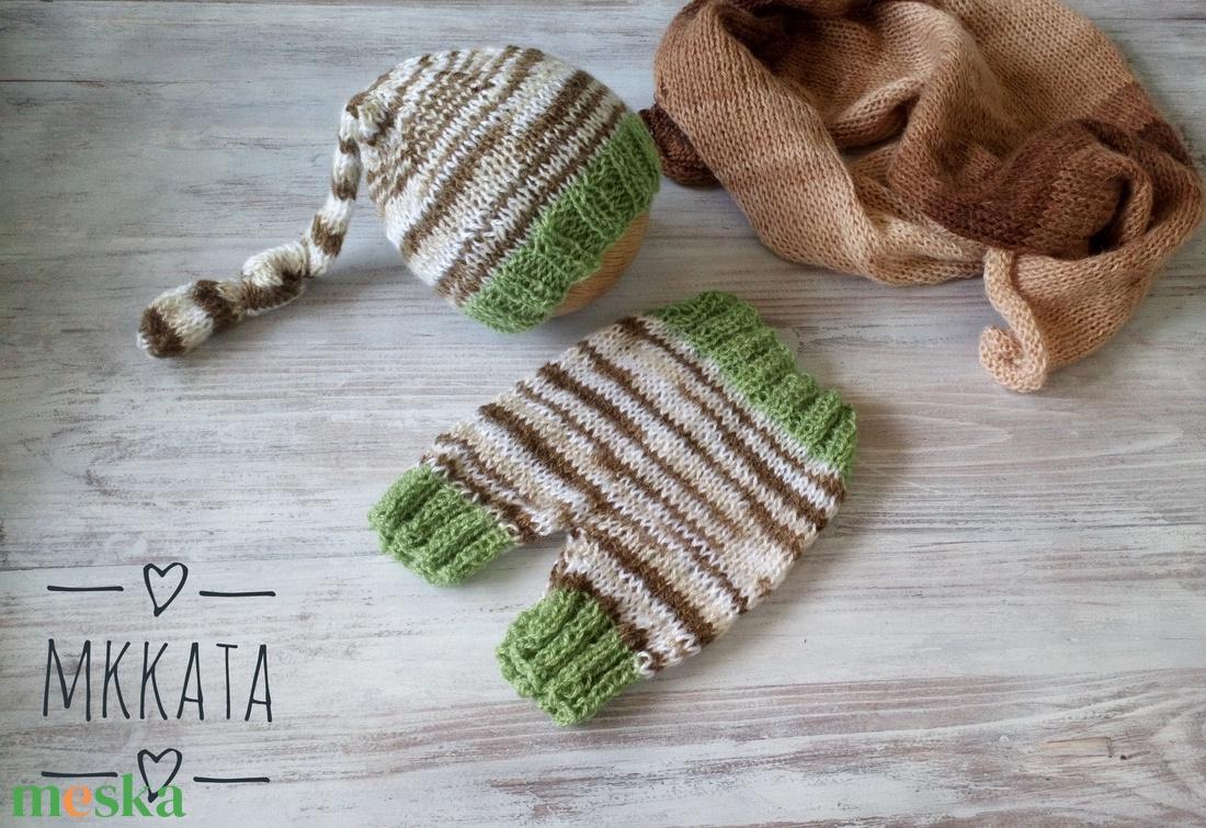 Kötött baba sapka+ nadrág szett  0-2 hónapos méret  - ruha & divat - babaruha & gyerekruha - nadrág - Meska.hu