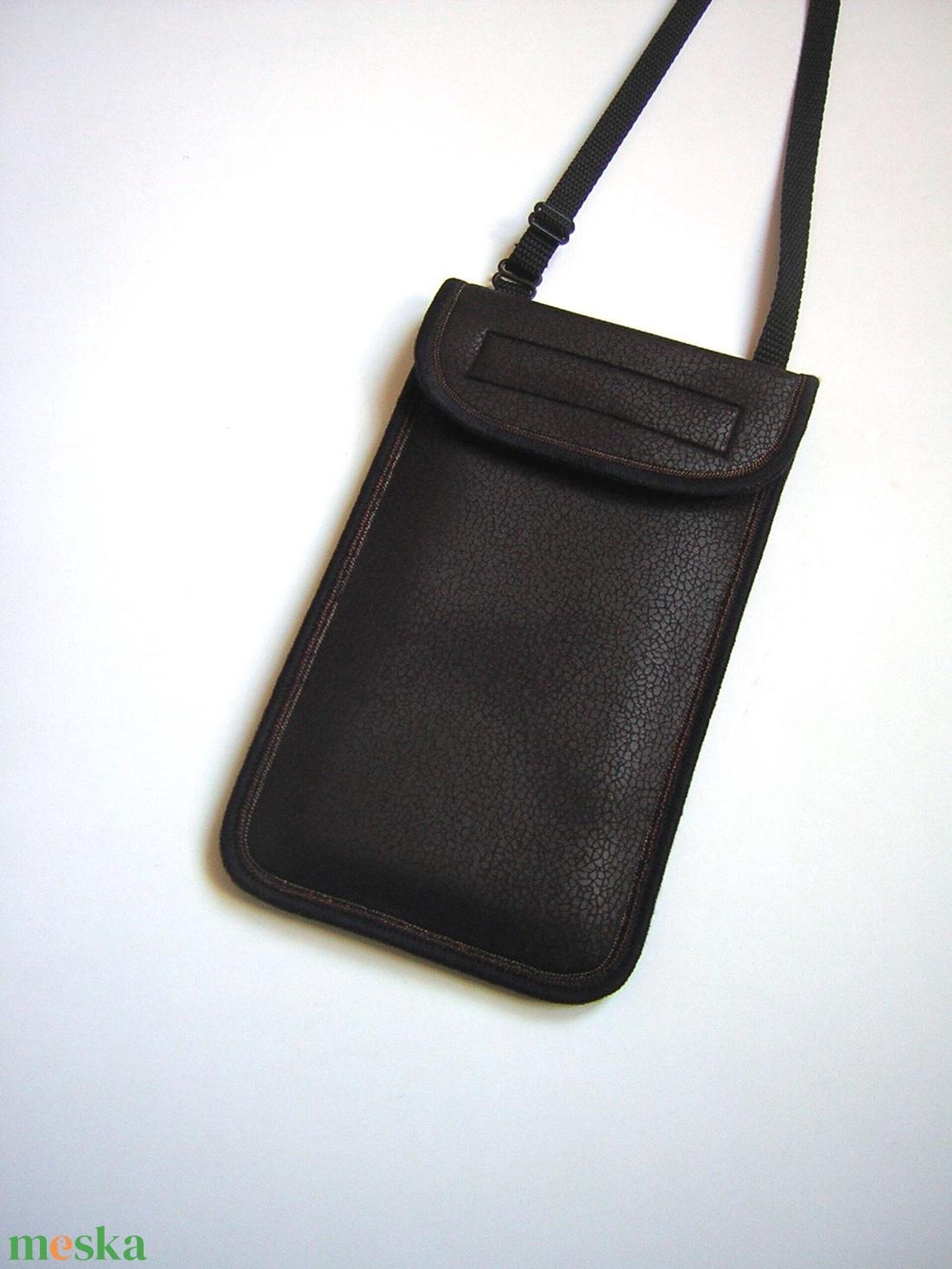 Telefontok bőrhatású állítható pántos kistáska mobiltok sötétbarna - táska & tok - pénztárca & más tok - telefontok - Meska.hu