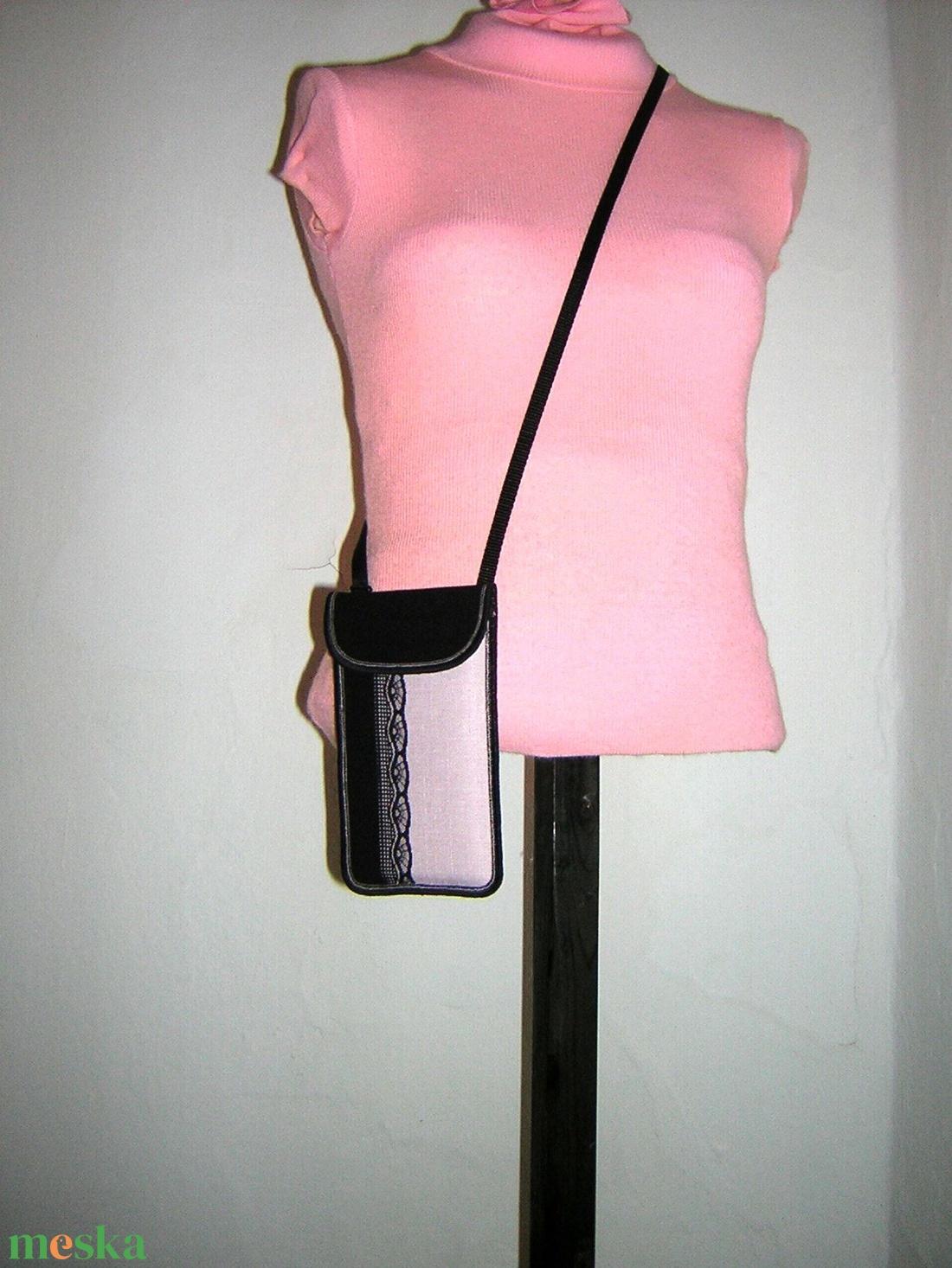Állítható pántos kis oldaltáska Mobiltok telefon tartó kistáska fekete-púder-csipke - táska & tok - pénztárca & más tok - telefontok - Meska.hu
