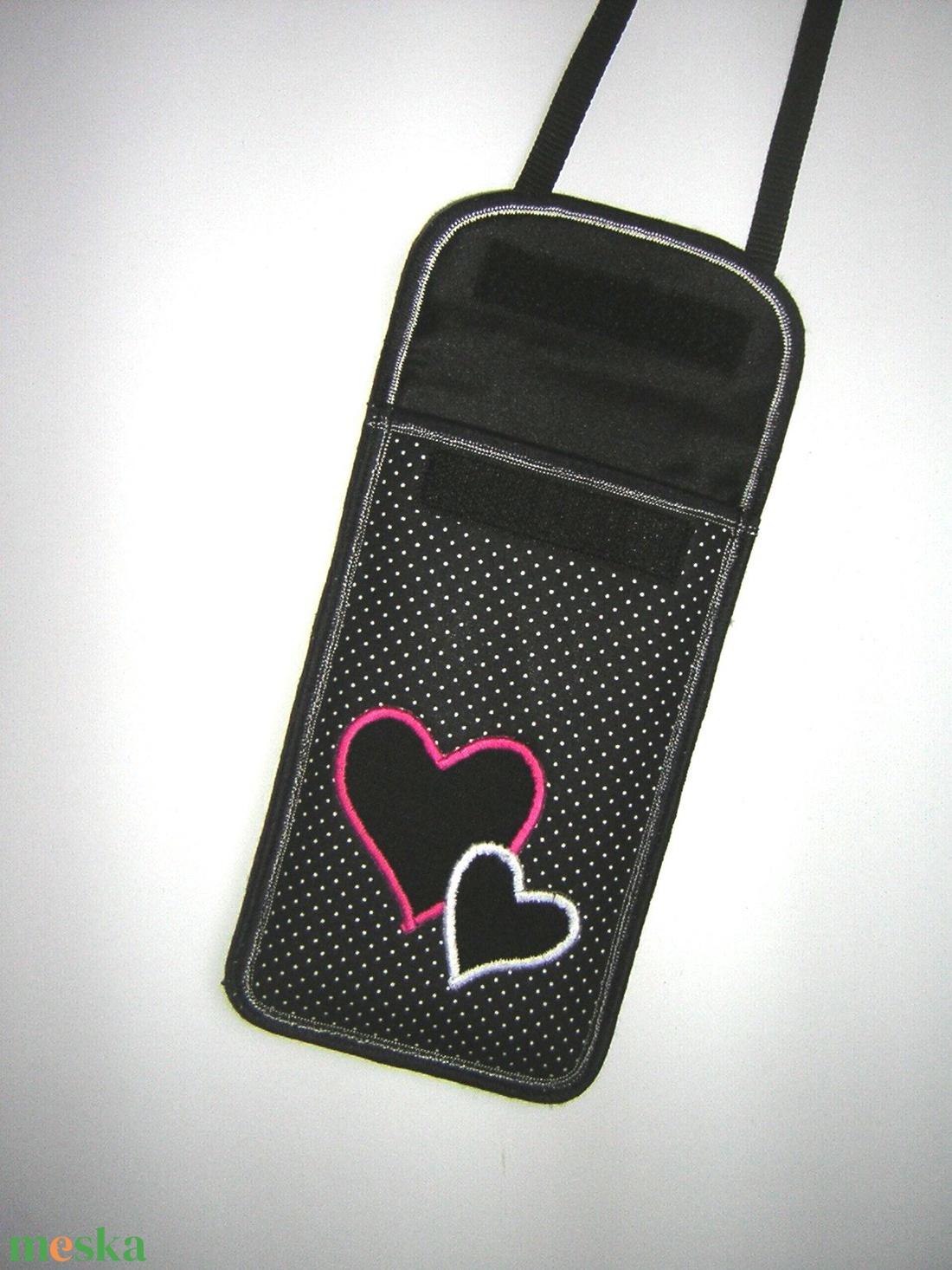 Állítható pántos mobil tok  Plus-os méretű telefonokhoz  pöttyös szívecskék - táska & tok - pénztárca & más tok - telefontok - Meska.hu