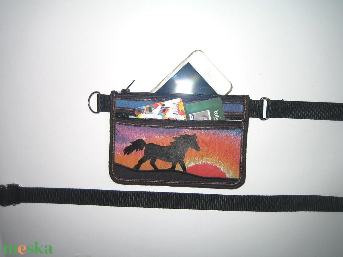 Mobiltok telefon tartó Kétrekeszes mini övtáska Ló napkelte - táska & tok - övtáska - Meska.hu