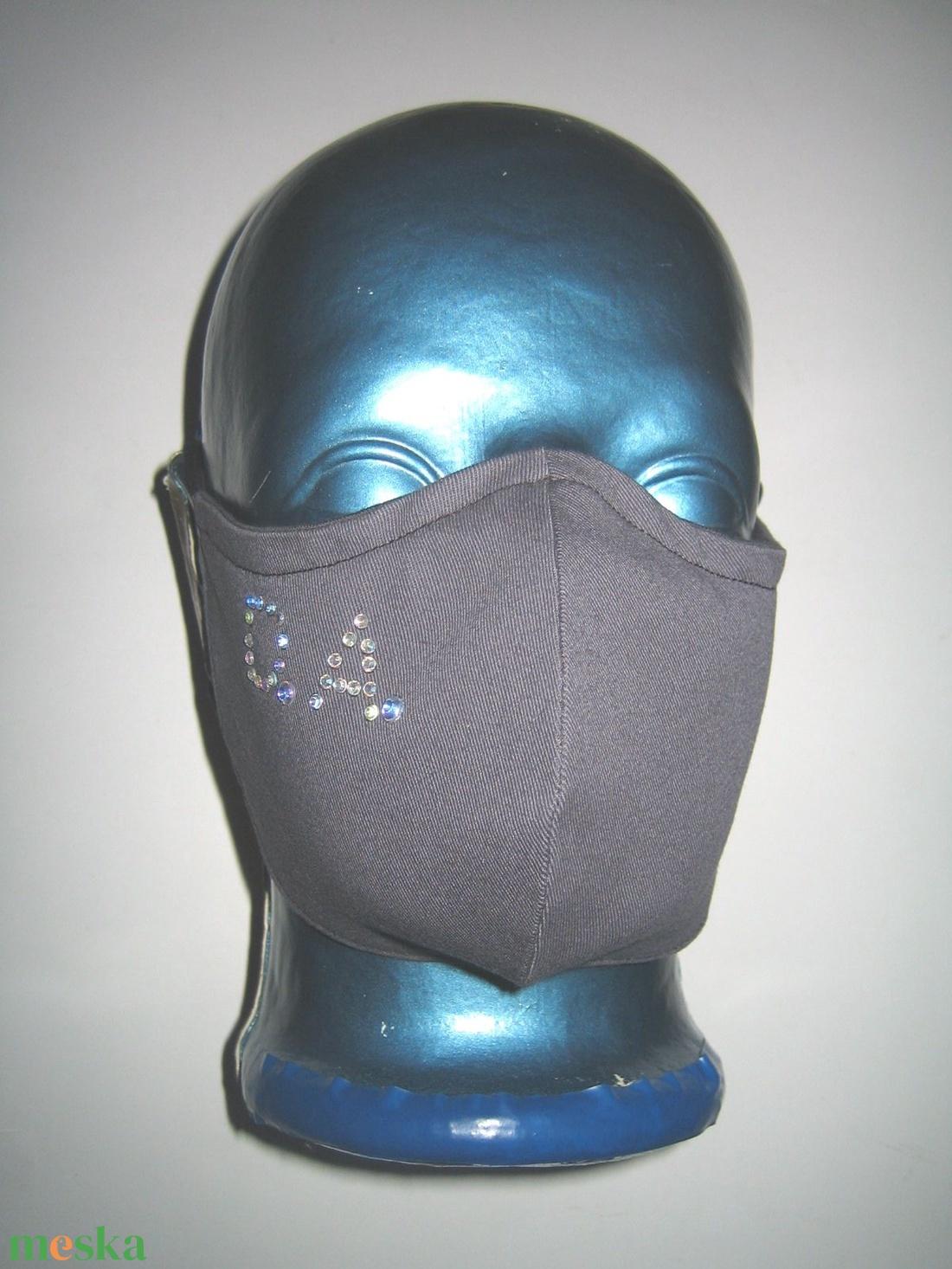 Monogrammos Egyedi Szájmaszk szemüvegeseknek orrmerevítős arcmaszk textil maszk színjátszós strasszal - maszk, arcmaszk - női - Meska.hu