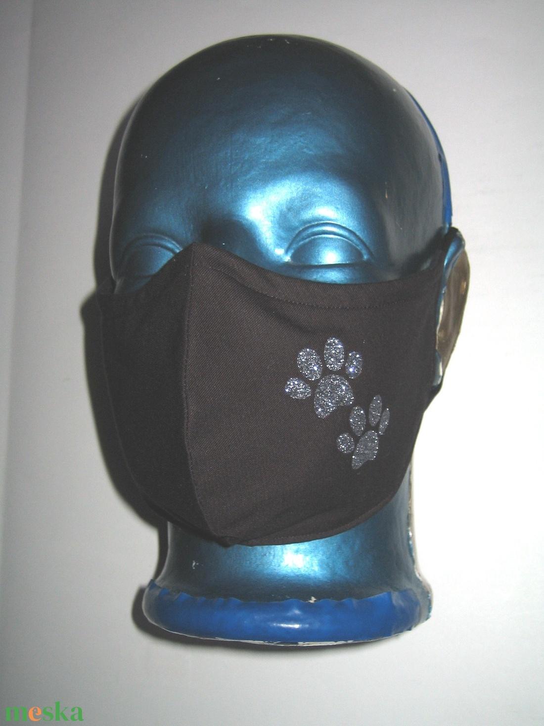 Tappancsos orrmerevítős szájmaszk fülre akasztható arcmaszk textil maszk Fekete-ezüst mancs - maszk, arcmaszk - női - Meska.hu