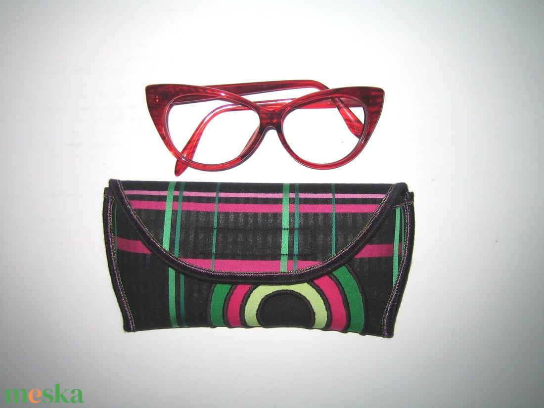 Egyedi szemüvegtok Színes vidám-mandala-körök  - táska & tok - pénztárca & más tok - szemüvegtok - Meska.hu