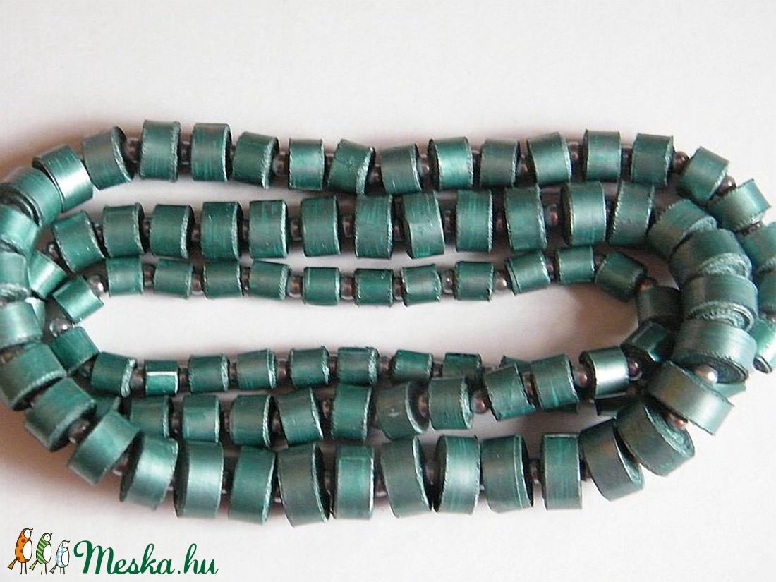 Türkiz-ezüst nyaklánc újrahasznosított papírból - ékszer - nyaklánc - hosszú nyaklánc - Meska.hu