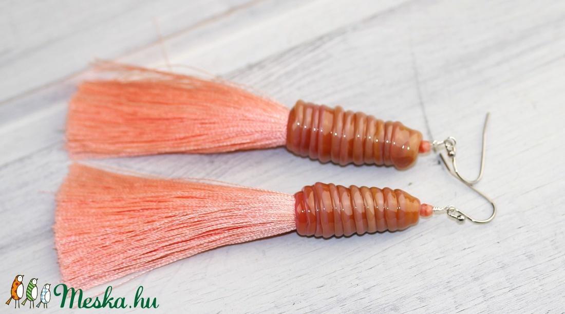Korall-egyedi üveggyöngy fülbevaló hosszú rojttal (MoroBarbaraGlass) - Meska.hu