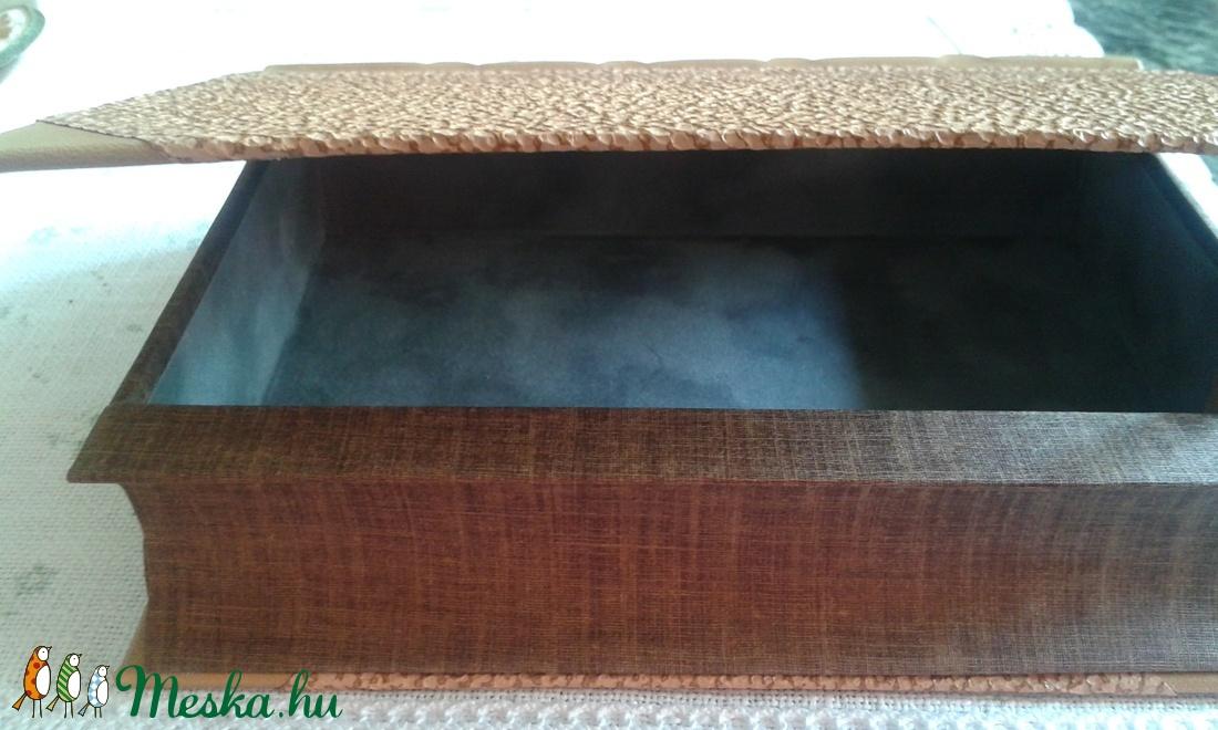 Egyedi bőrös könyvalakú doboz - otthon & lakás - dekoráció - díszdoboz - Meska.hu