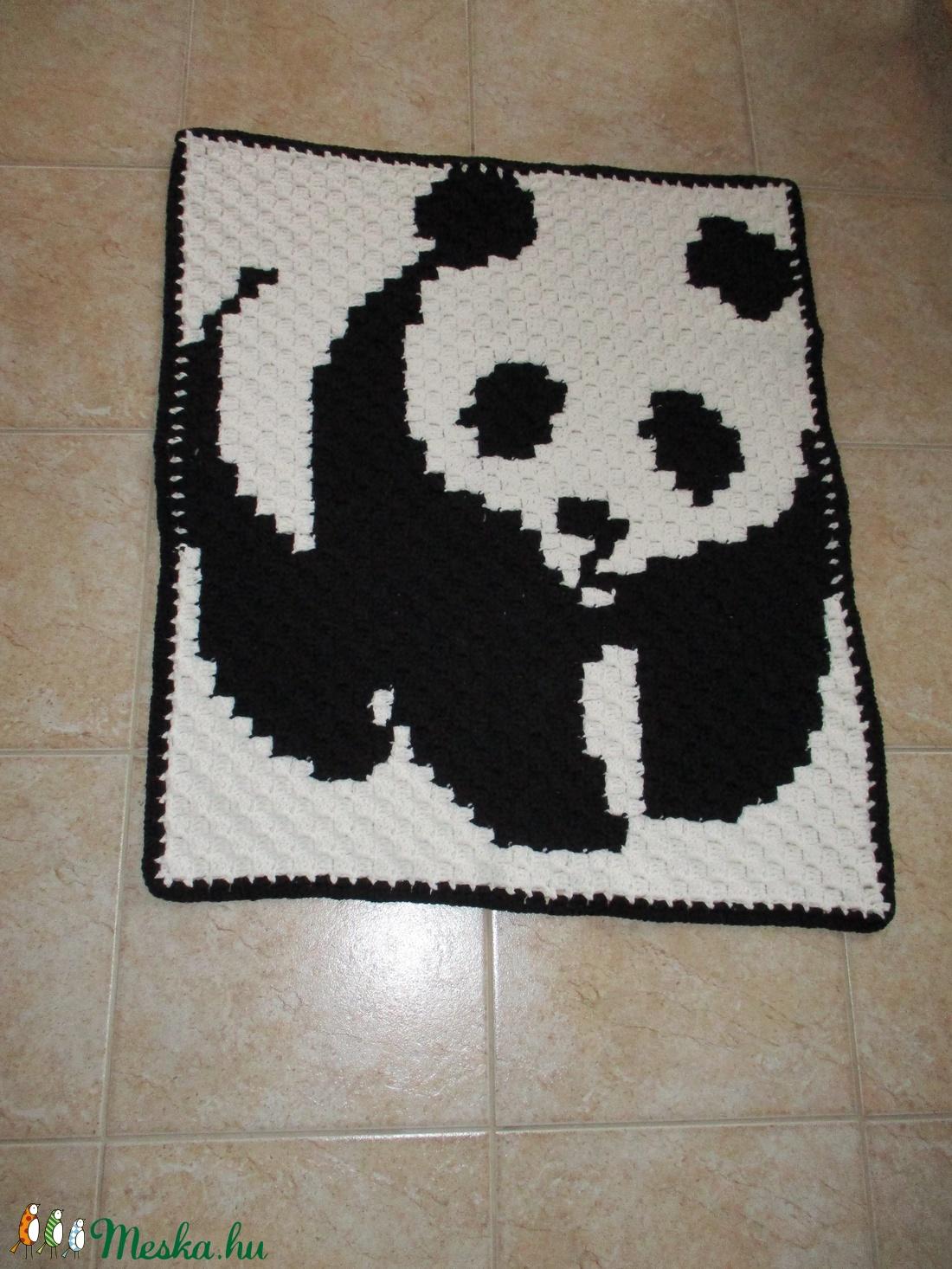 Panda macis horgolt baba takaró - Meska.hu