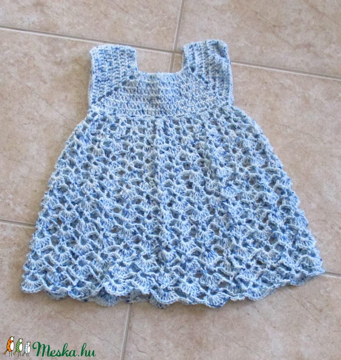 Kék-fehér cirmos horgolt kislány ruha - Meska.hu