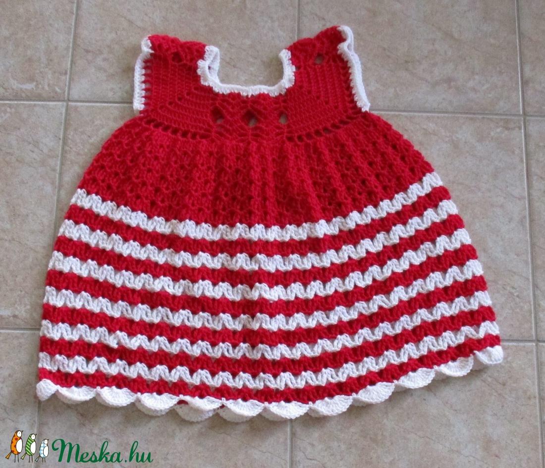 Málnaszínű-fehér horgolt kislány ruha - Meska.hu