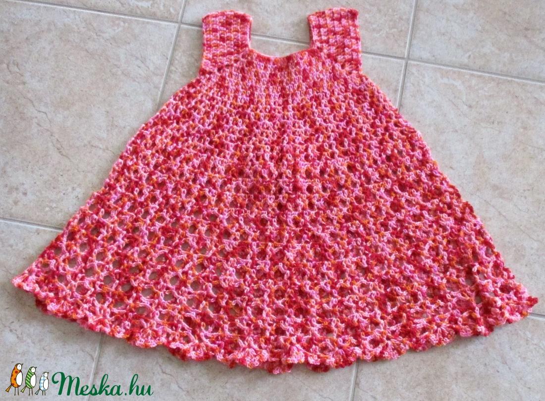 Rózsaszín-piros horgolt kislány ruha - Meska.hu