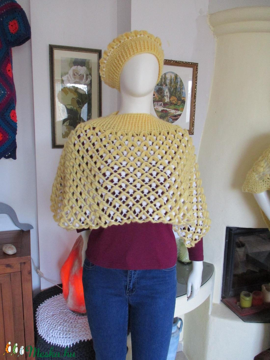 Kifordítom-befordítom horgolt női poncsó sapkával - ruha & divat - női ruha - poncsó - Meska.hu