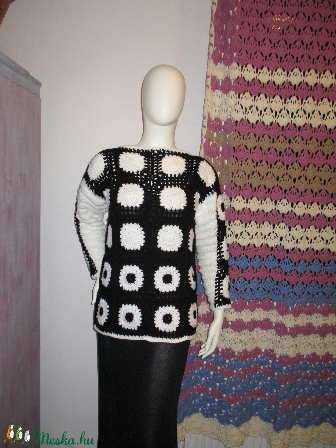 Fekete-fehér horgolt női tunika - ruha & divat - női ruha - tunika - Meska.hu