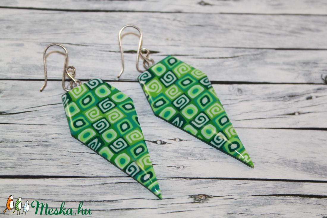 Gyémánt alakú zöld fülbevaló (NeferDesign) - Meska.hu
