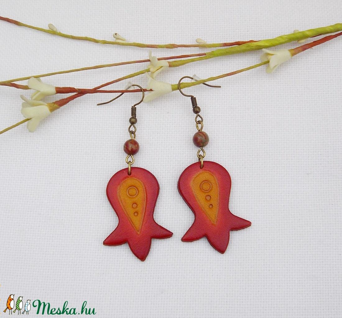Tulipános bőr fülbevaló (piros) (Nesi) - Meska.hu