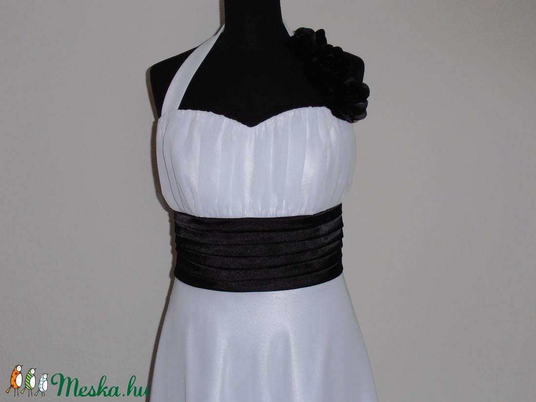 Fehér-fekete menyasszonyiruha méretre rendelésre (nicoledesign) - Meska.hu e3751015e3