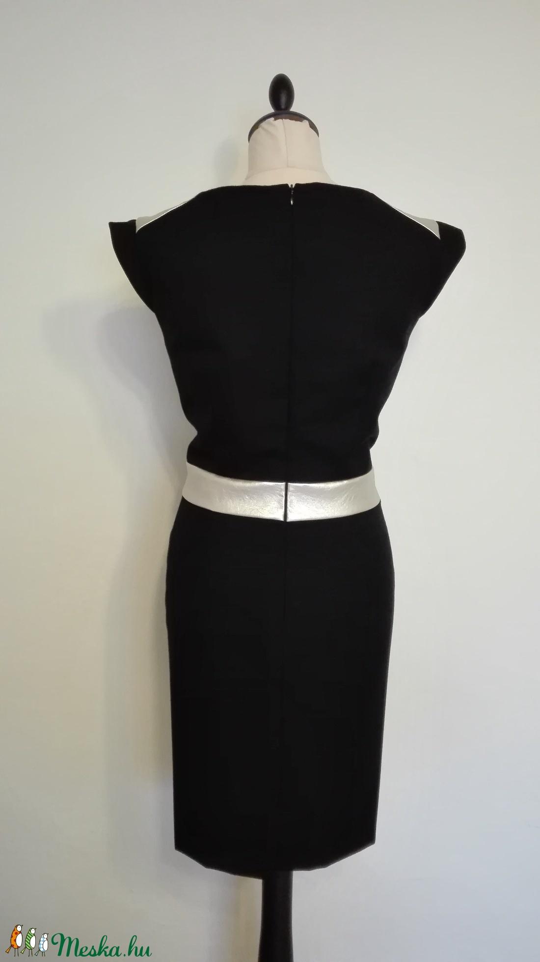 Bőrbetétes fekete szövet ruha (nicoledesign) - Meska.hu e042efd678