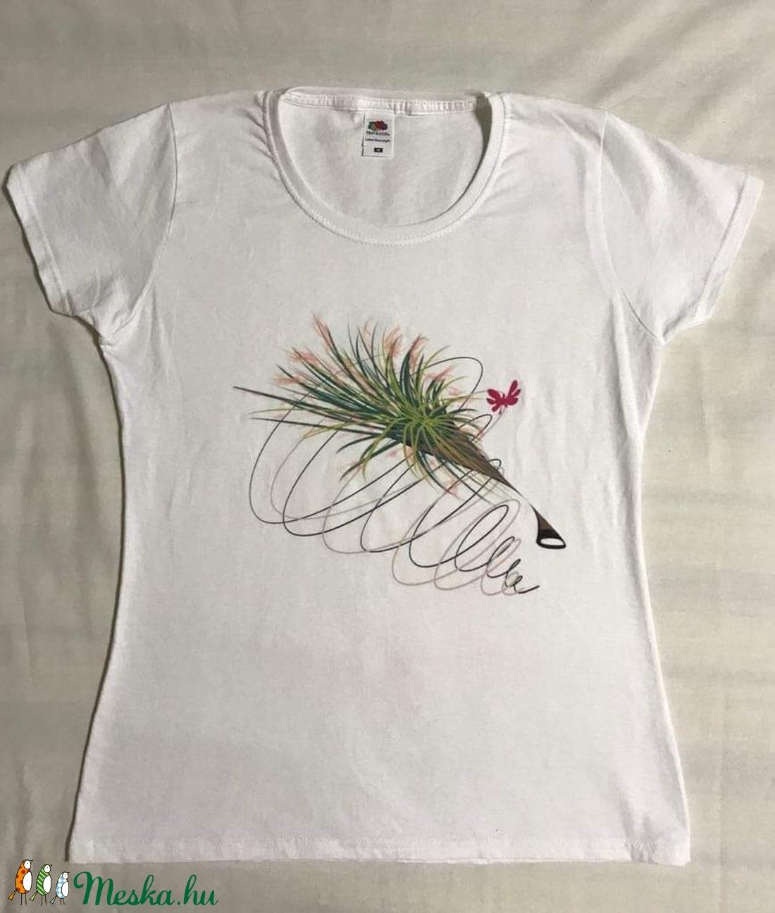 Virágos női póló saját készítésű mintával - ruha & divat - női ruha - póló, felső - Meska.hu