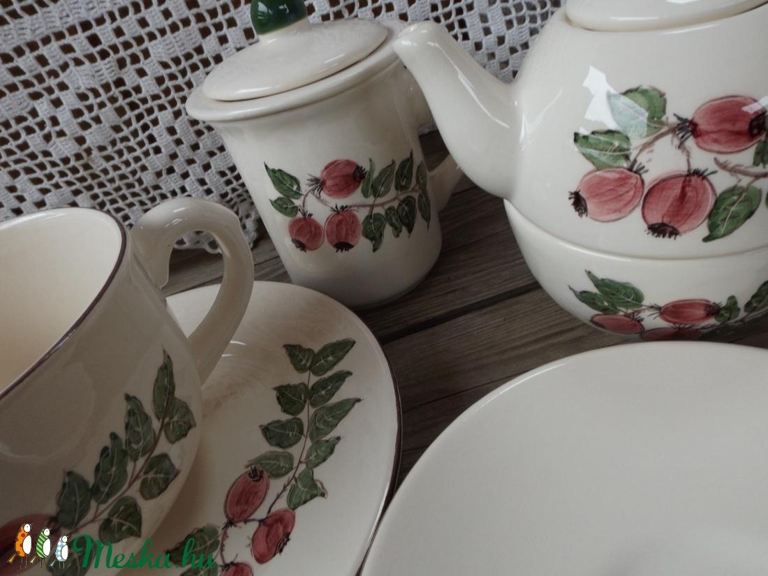 Együtt teázik a család-csipkebogyósan - otthon & lakás - konyhafelszerelés - bögre & csésze - Meska.hu