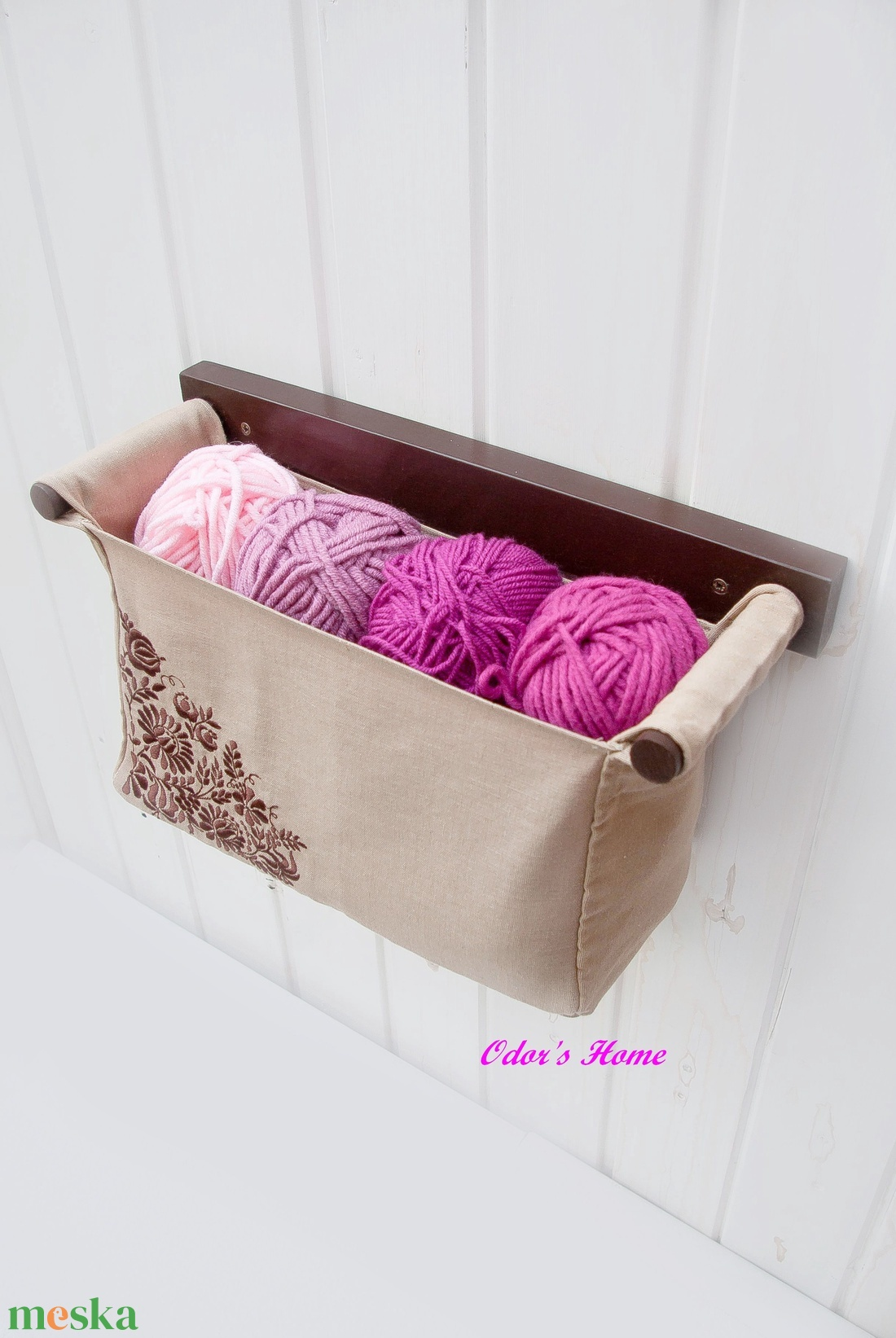 Fali tároló 1 rekeszes Beige lenvászon Csokibarna színű, hímzett népi mintával (OdorsHome) - Meska.hu