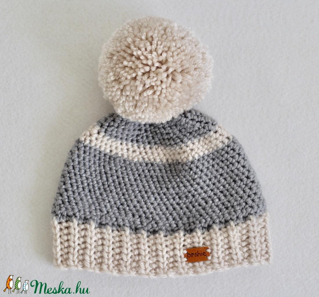Téli horgolt gyerek sapka pom-pommal. 3-4 évesnek (orshiecrochet) - Meska.hu 8090bfa860