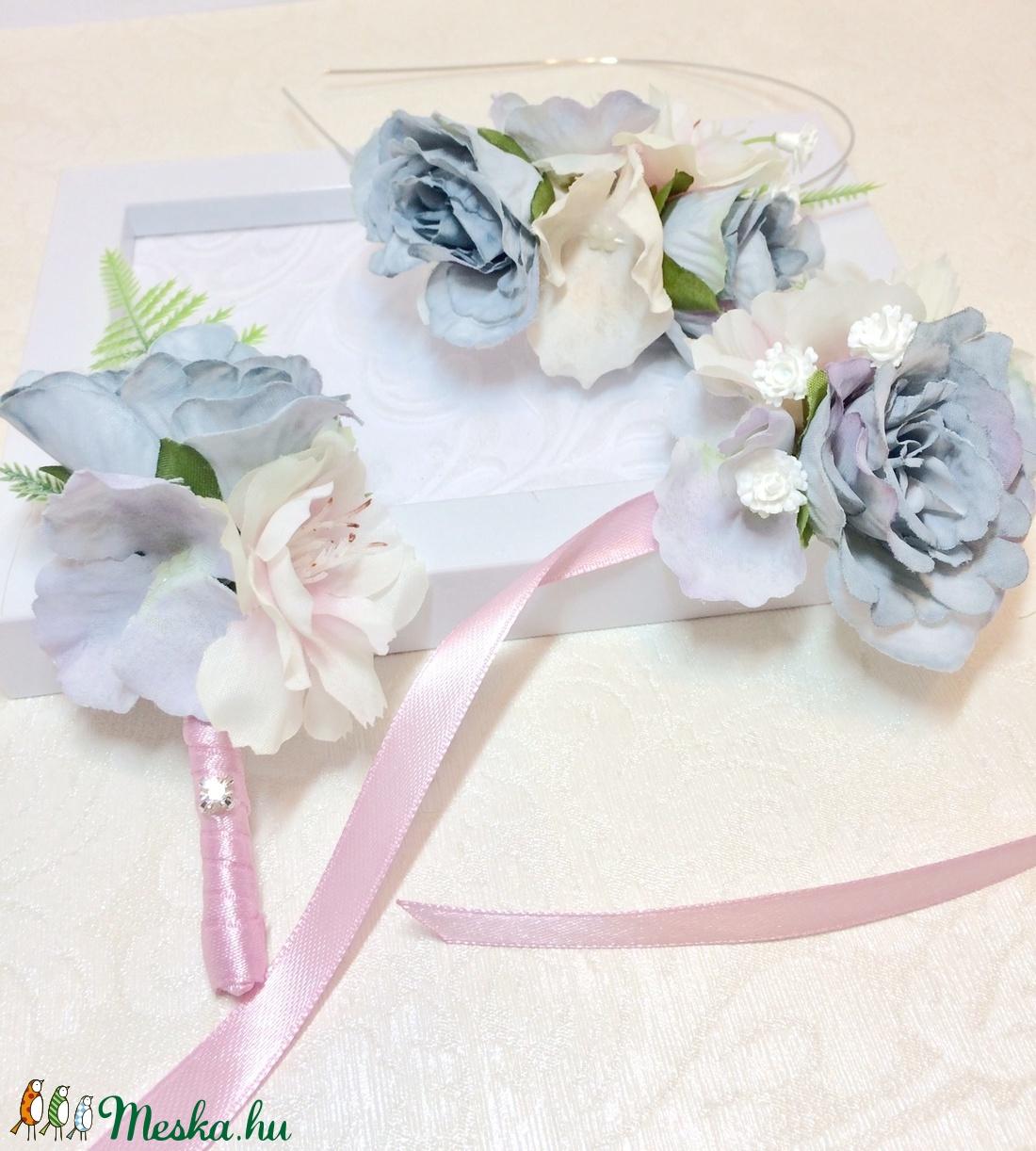 Pasztell rózsaszín és halványkék bájos menyasszonyi, gyerek hajdísz, hajráf, tiara - esküvő - hajdísz - hajpánt - hajdísz - Meska.hu