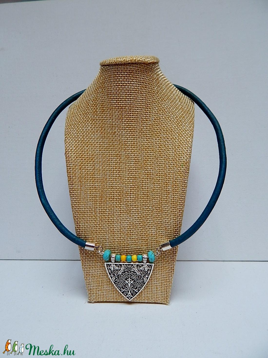 Nyaklánc pajzs alakú medállal (otletfabrik) - Meska.hu bf01a5afe0