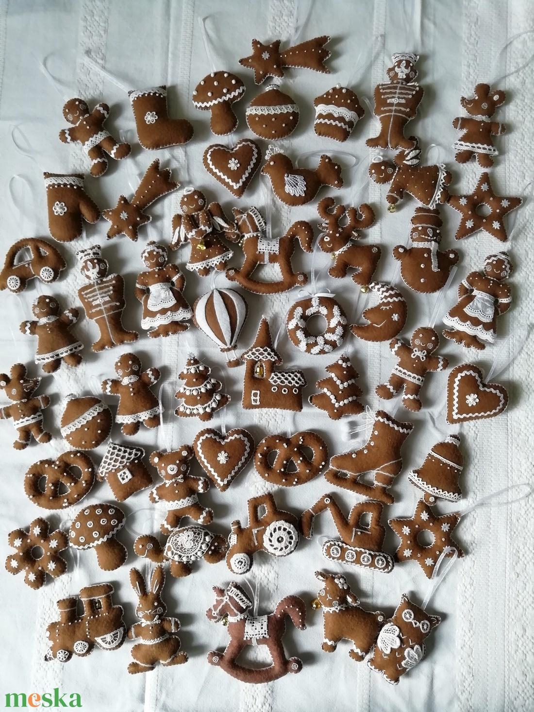 Filc mézes babák - karácsony - karácsonyi lakásdekoráció - karácsonyi manók, figurák - Meska.hu