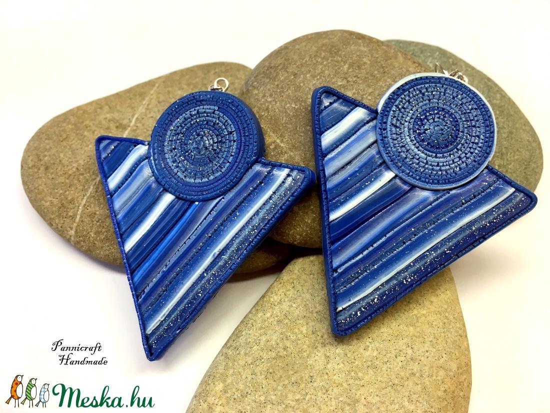 Kék csíkos háromszög fölbevaló (PannicraftHandmade) - Meska.hu