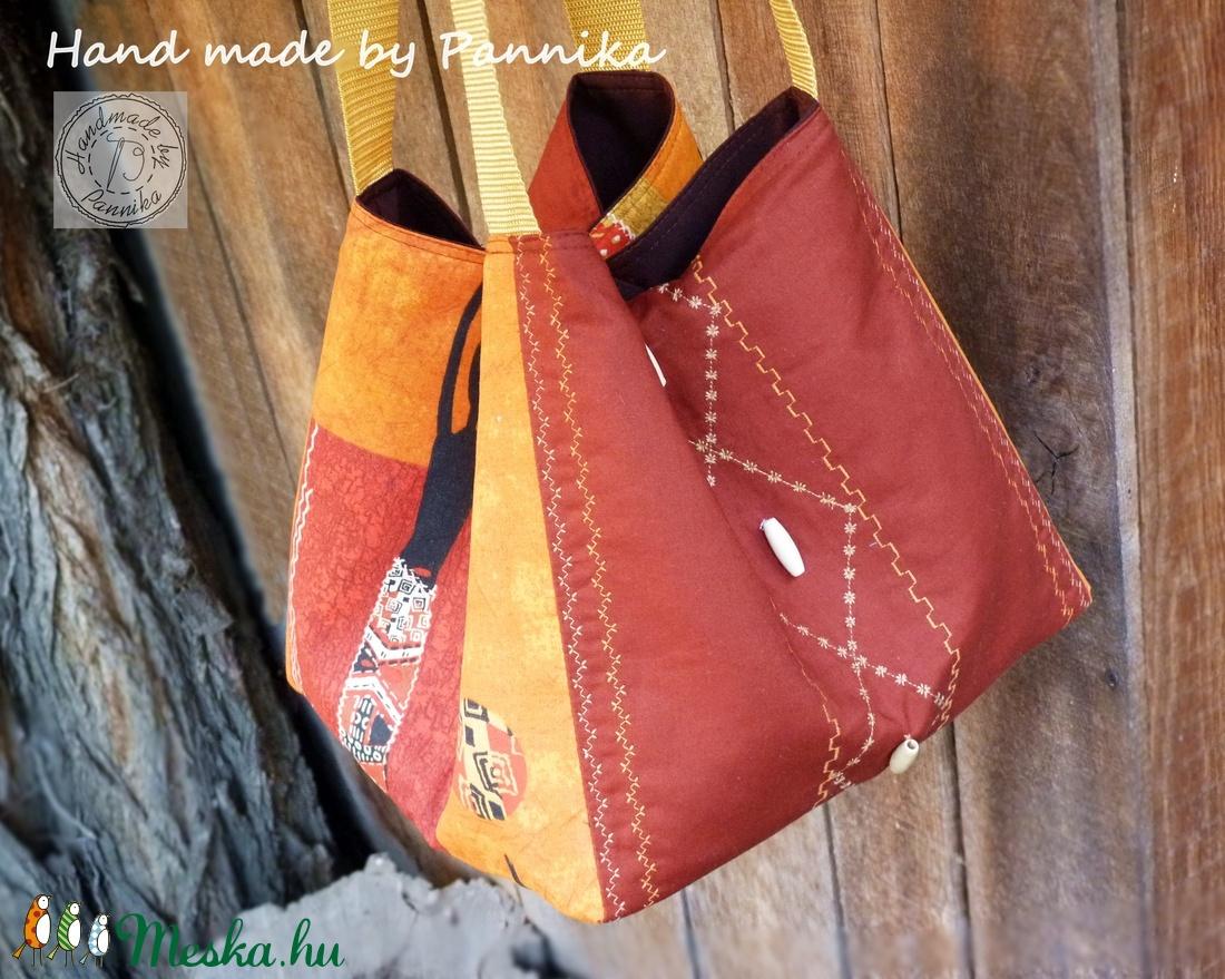 4c8cf19da8bb Akciósan KÍNÁLOM :) New style, new collection! Középméretű Afrika mintás  táska Pannikától!