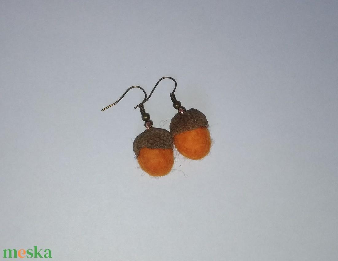 Narancssárga nemez makk fülbevaló - ékszer - fülbevaló - lógó fülbevaló - Meska.hu