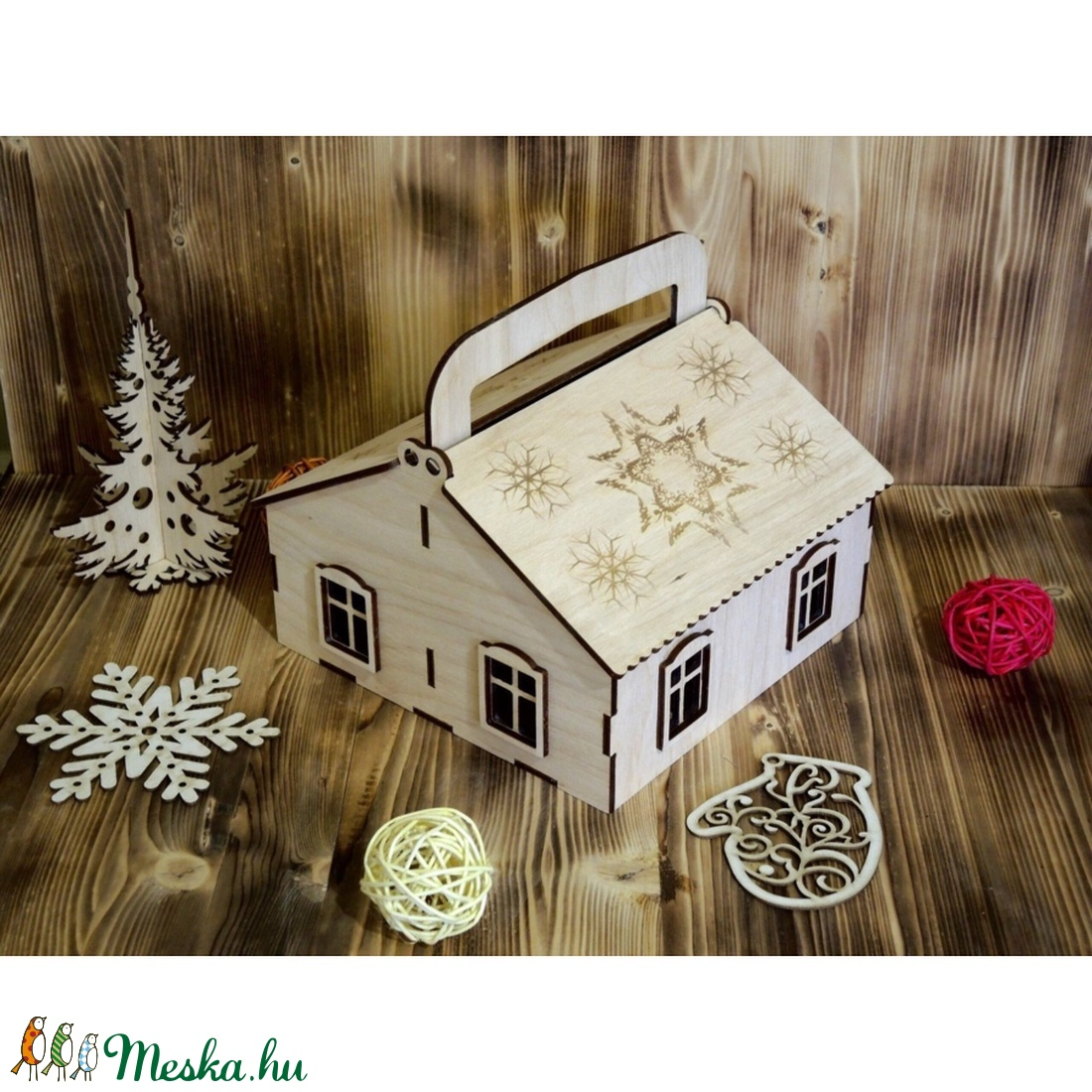 Ajándék doboz, házikó formájú, felnyitható tetővel - karácsony - karácsonyi ajándékozás - karácsonyi ajándékcsomagolás - Meska.hu