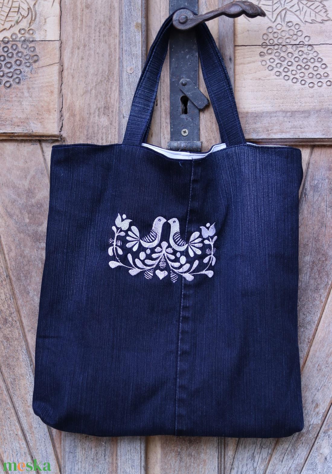 Hímzett újrahasznosított farmertáska, szatyor, bevásárlótásks - táska & tok - bevásárlás & shopper táska - shopper, textiltáska, szatyor - Meska.hu