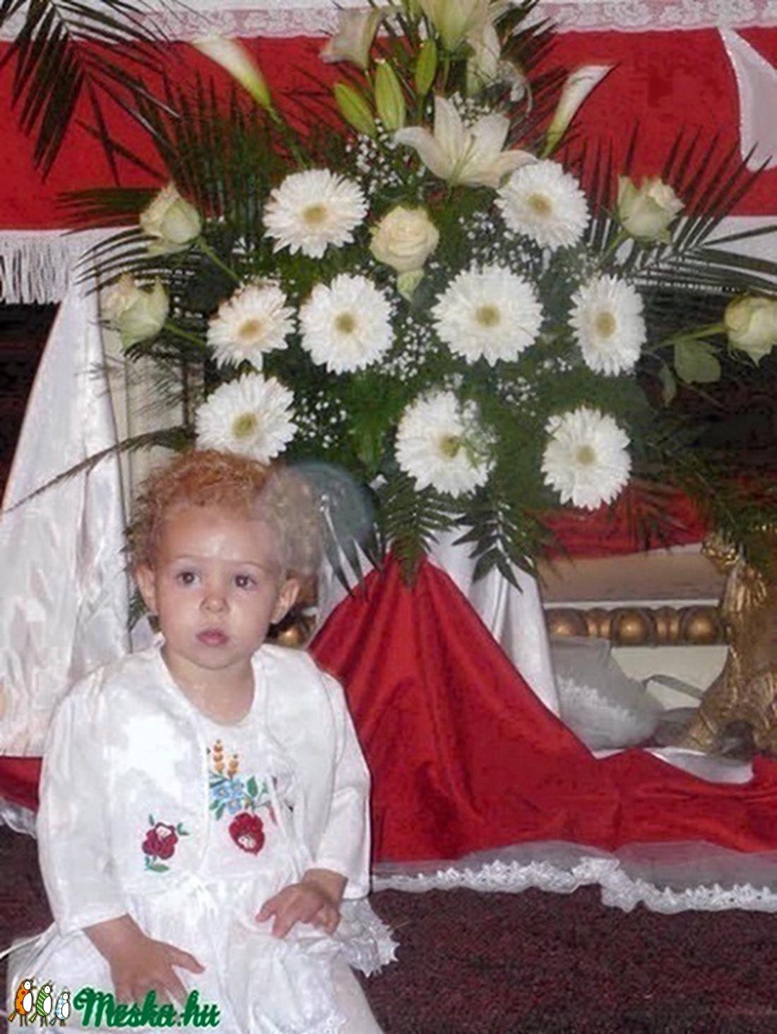 Kalocsai kézzel hímzett lányka együttes pamutvászonból 21e212f706
