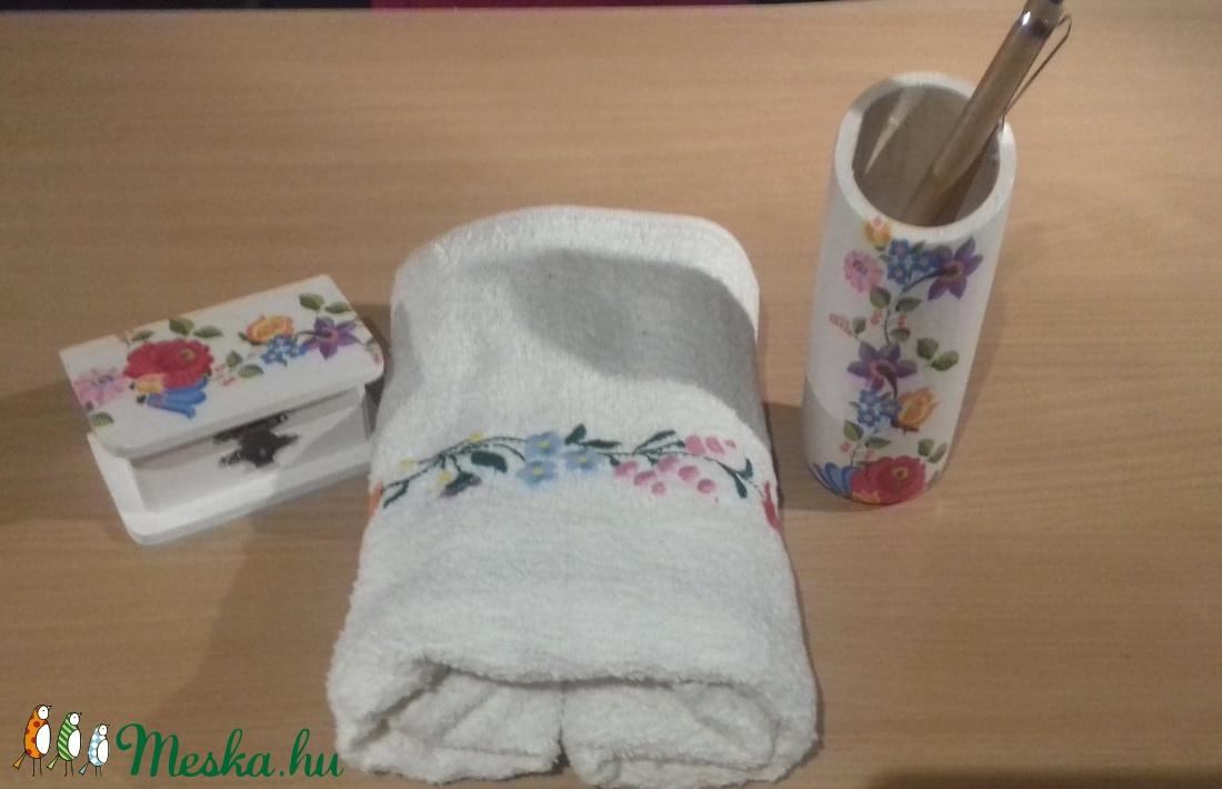 Kalocsai hímzett törölköző (peteryeva) - Meska.hu a775a976ad
