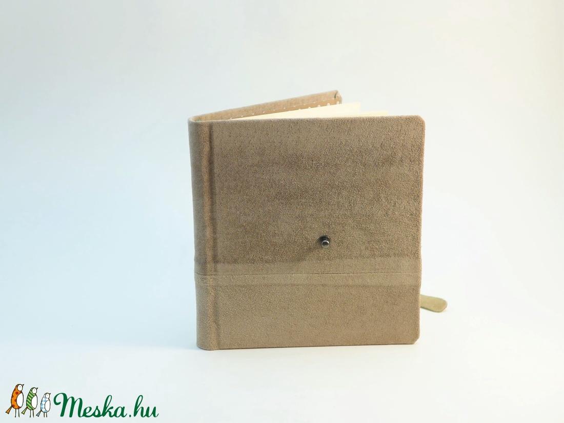Kende - notesz, napló, emlékkönyv - drapp velúr bőr 16x16 cm - 302 - otthon & lakás - papír írószer - jegyzetfüzet & napló - Meska.hu