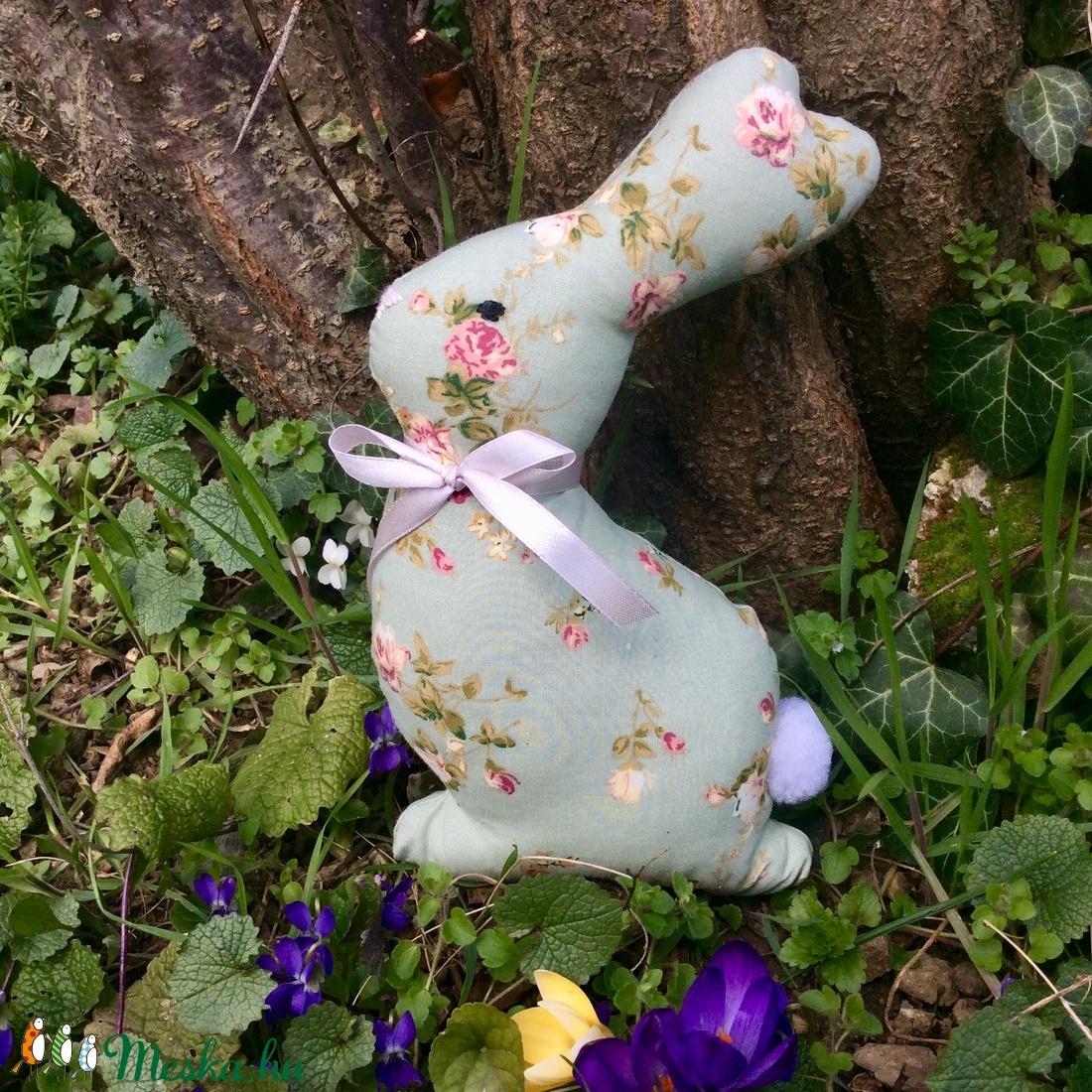 Nyuszi - egyedi tervezésű kézműves játék - textiljáték -húsvéti nyúl - húsvéti ajándék - játék & gyerek - plüssállat & játékfigura - nyuszi - Meska.hu