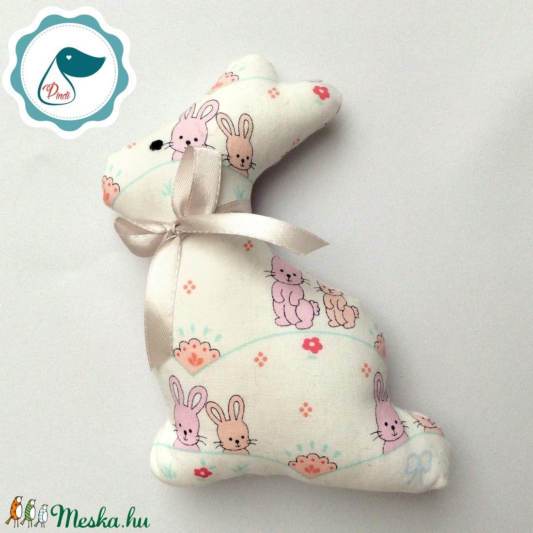 Nyuszi- egyedi tervezésű kézműves játék - textiljáték -  húsvéti nyúl         - játék & gyerek - 3 éves kor alattiaknak - rágóka - Meska.hu