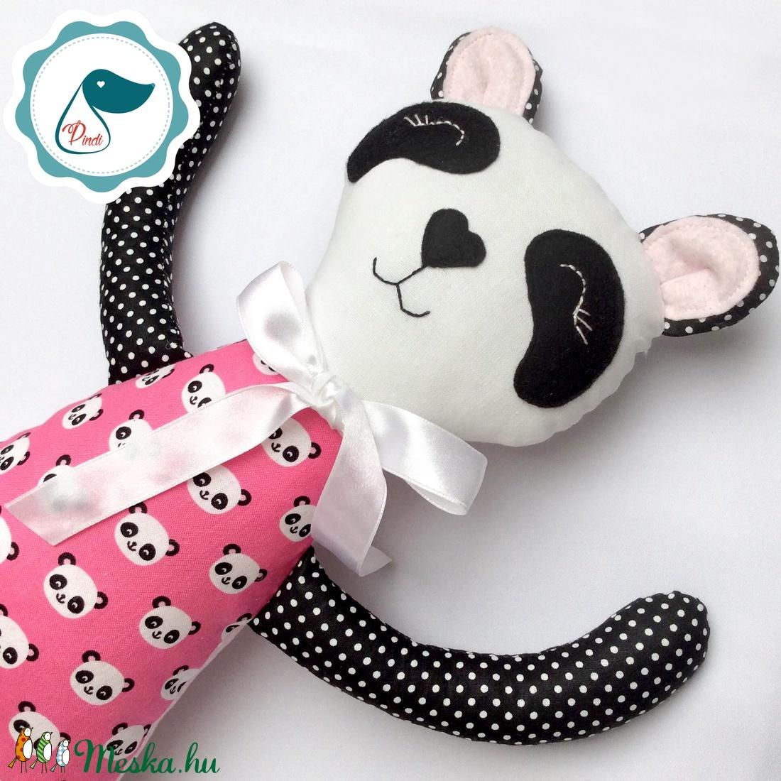 Panda lány - Egyedi tervezésű kézműves textil játék - pandamaci játék - panda textilfigura - játék & gyerek - plüssállat & játékfigura - cica - Meska.hu