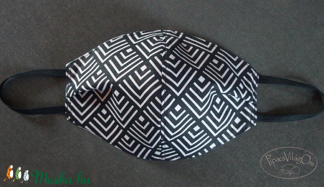 Fekete geometrikus mintás arcmaszk, szájmaszk (PipacsVilagOm) - Meska.hu