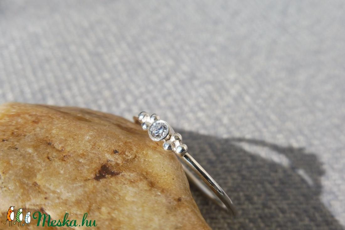 köves-bogyós ezüst gyűrű    - ékszer - gyűrű - szoliter gyűrű - Meska.hu