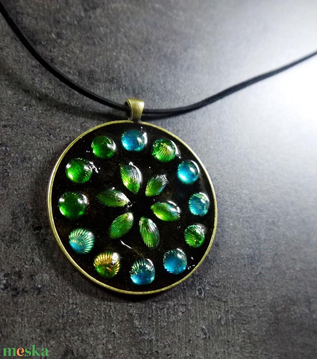 Mozaik medál - kék-zöld nagy kör   INGYEN POSTA! - ékszer - nyaklánc - medálos nyaklánc - Meska.hu