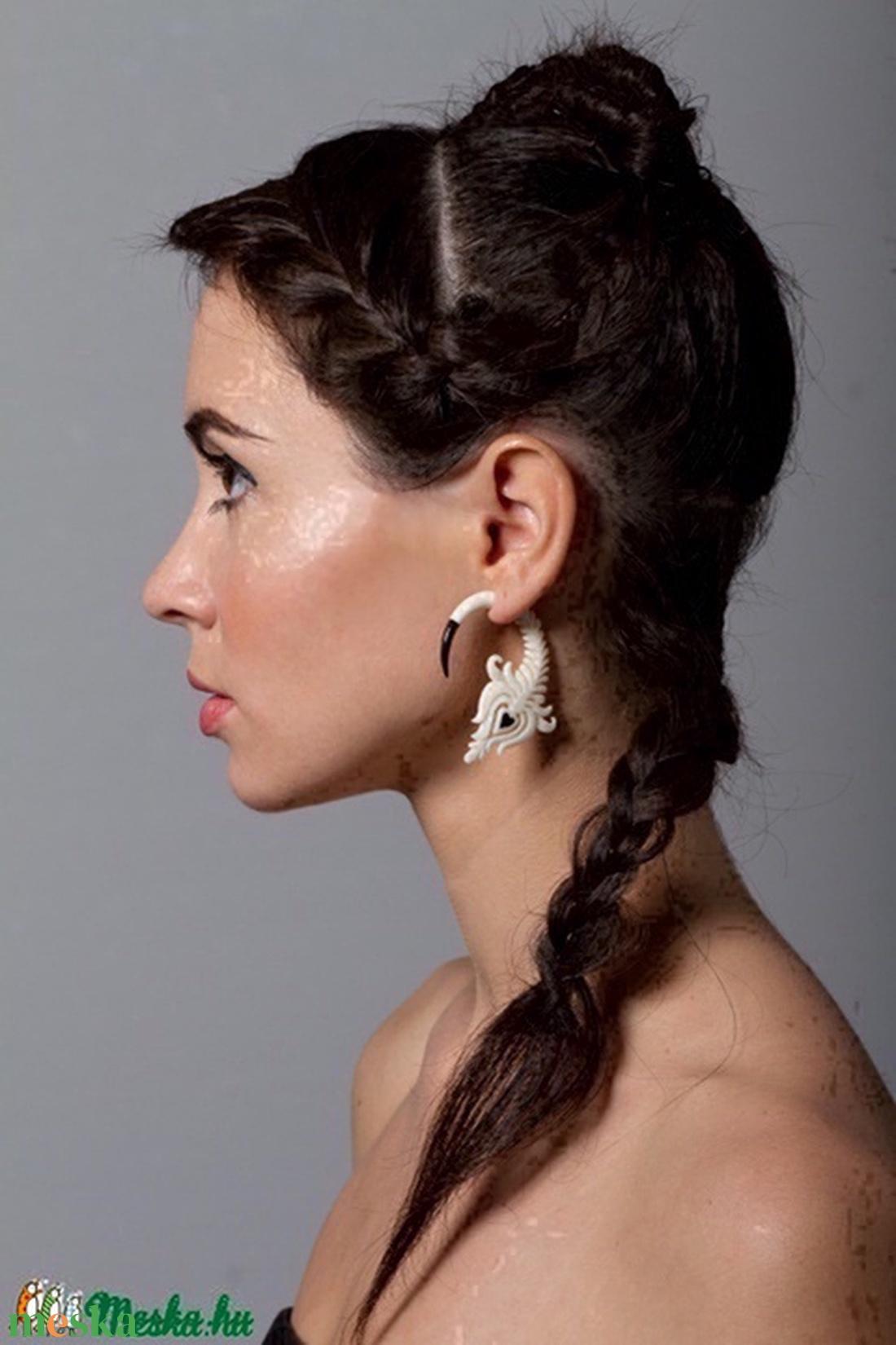 'Szíves viruló fehér tulipán' fülbevaló - ékszer - fülbevaló - fülgyűrű - Meska.hu